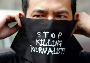 'Journalists working in conflict zones are heroes of their craft'